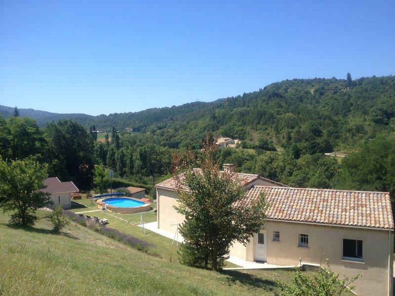 MAISON DE VACANCES Dans la Drôme provençale, location de vacances à Divajeu