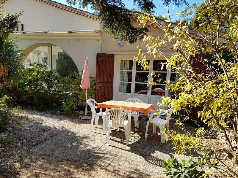 T2 rez de jardin Carry le Rouet, holiday rental in Carry-le-Rouet