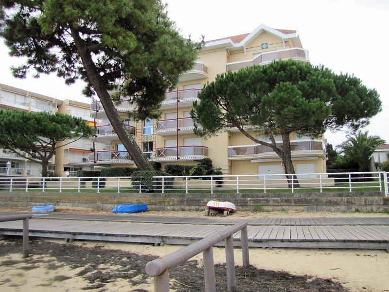 APPARTEMENT T2 ARCACHON idéalement situé dans résidence accès direct plage, vacation rental in Arcachon