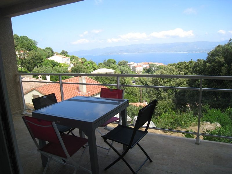 MAGNIFIQUE T2 NEUF  AVEC  TERRASSE VUE MER, holiday rental in Belvedere-Campomoro