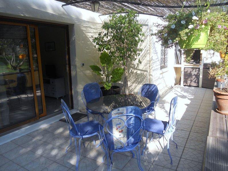 Villa 80 M2 proche Aix-en-Provence, vacation rental in Peynier