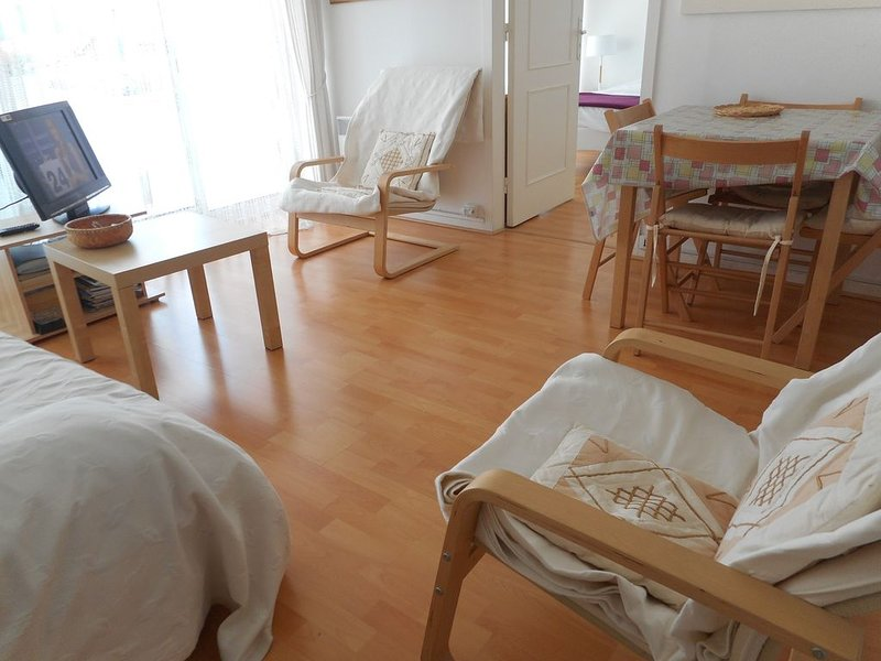 T2 Bassin d'Arcachon, 150 m plage, hyper centre ville, holiday rental in Andernos-les-Bains