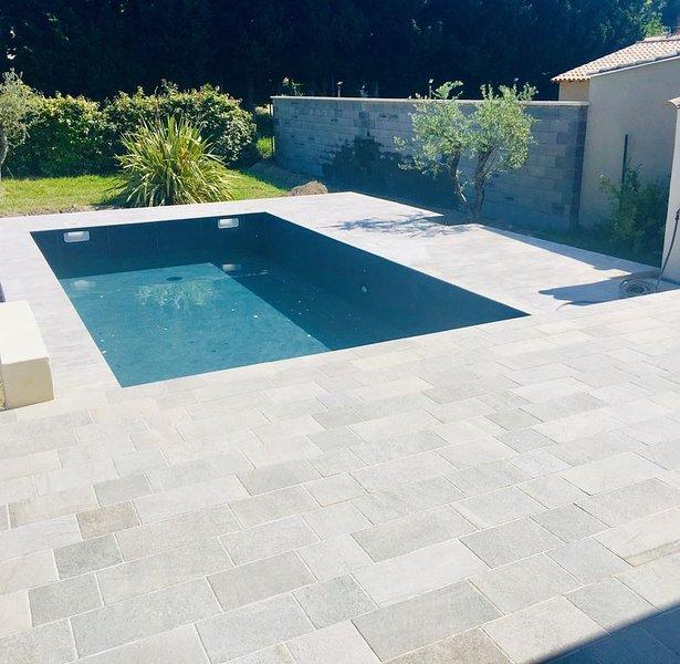Agréable villa, piscine 6-8 personnes, location de vacances à Barbentane