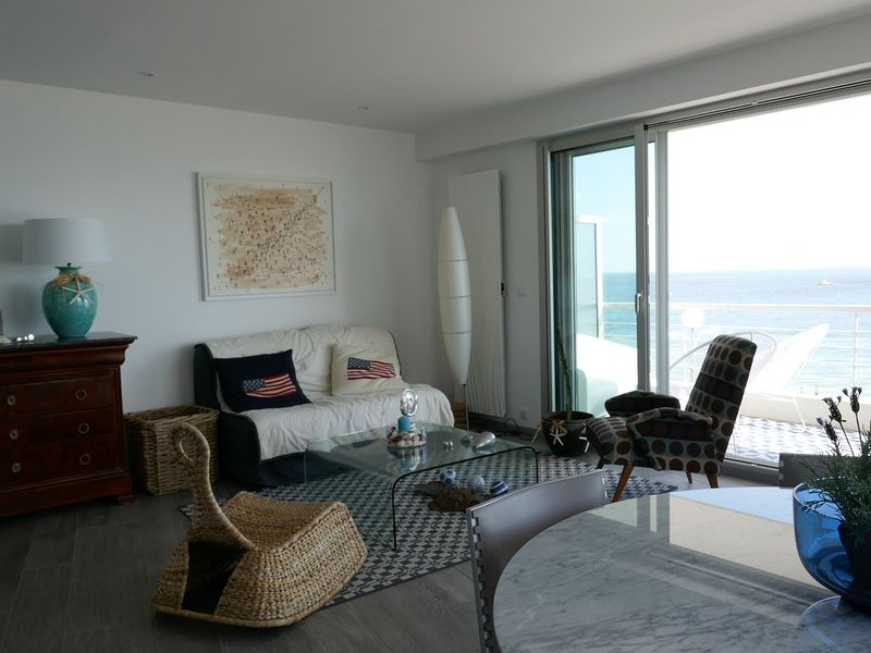 T3 haut de gamme, face mer, terrasse 30m2, holiday rental in La-Baule-Escoublac