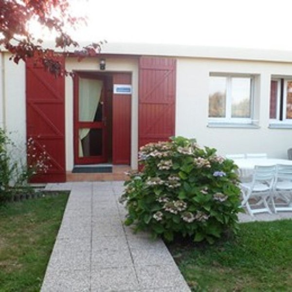 Dans le golfe du Morbihan logement en rez de jardin, vacation rental in Locmariaquer