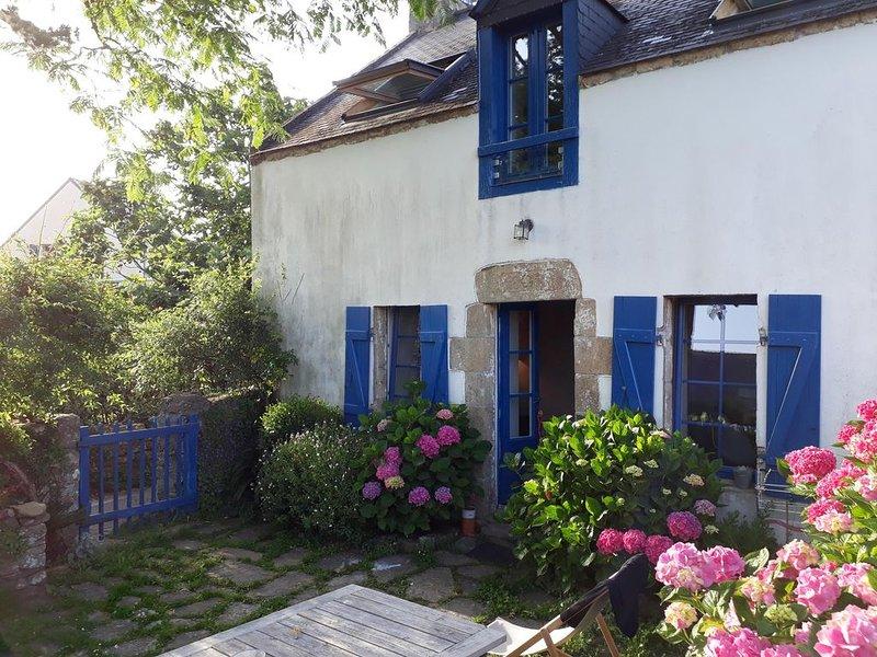 Maison de charme, familiale, à 50 mètres du port et de la plage, alquiler de vacaciones en Larmor-Baden