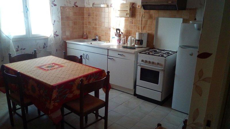 Appartement confortable  au bois plage avec Wifi, holiday rental in Le Bois-Plage-en-Re