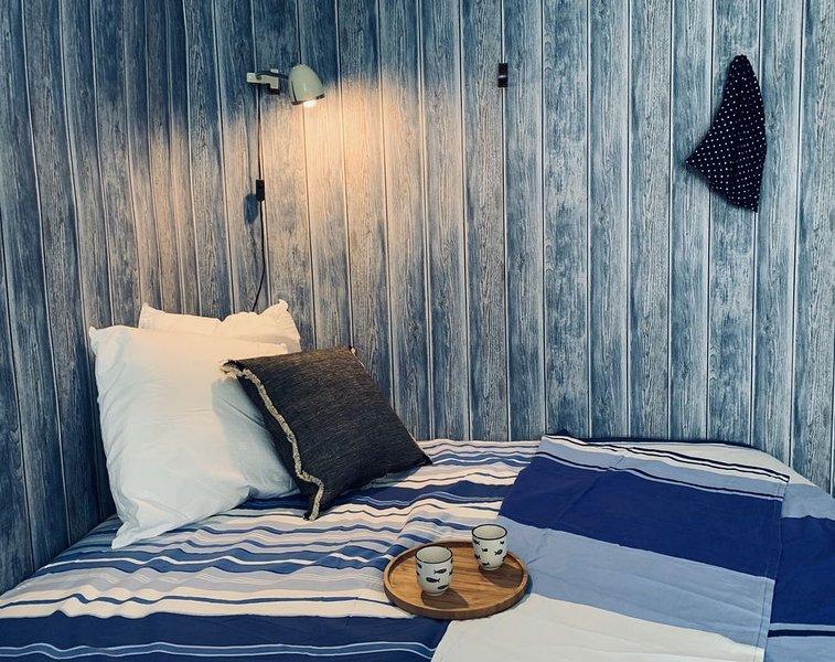 A 50 m de la mer -  Studio à Trouville dans charmante bâtisse normande, holiday rental in Trouville-sur-Mer
