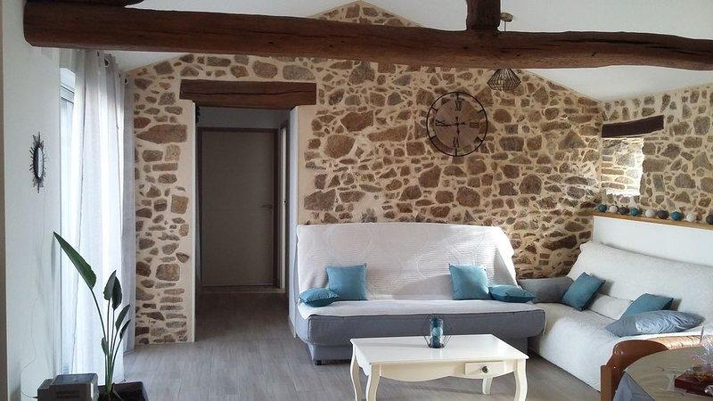 Longère de 75 m2 rénovée à 30 min du puy du Fou, holiday rental in Saint-Marsault