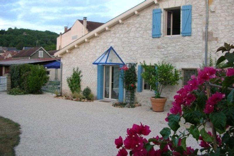 Maisonnette pour 2 personnes avec grande terrasse privée et parking ., location de vacances à Lachapelle-Auzac