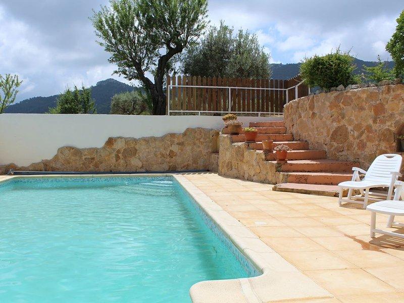 Villa sans vis- à-vis,dominante 4 chambres 3 étoiles, casa vacanza a Peypin