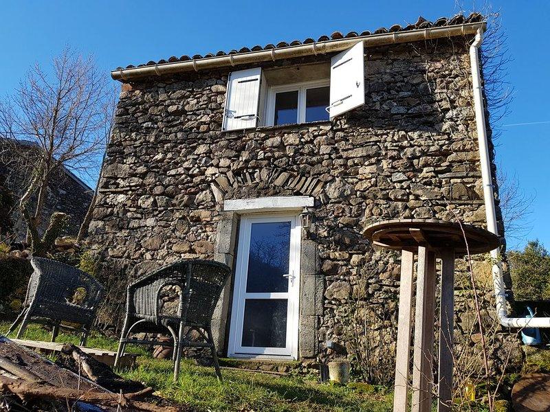 Avène, Charmante maison sur une colline verdoyante et calme., location de vacances à Le Bousquet d'Orb