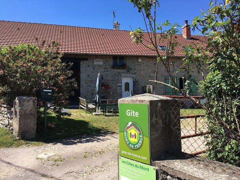 Gite en Bourgogne de 7 personnes, à Marigny l'Eglise dans la Nièvre, holiday rental in Vault-de-Lugny