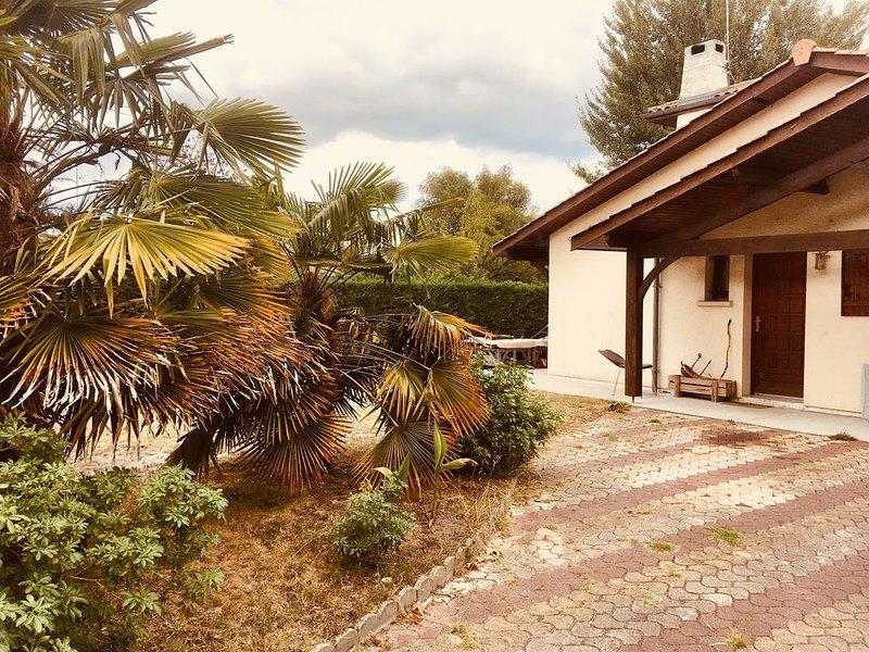 Maison Proche Aeroport, Rocade, Bordeaux et plages fêter au cœur du bordelais, holiday rental in Canejan