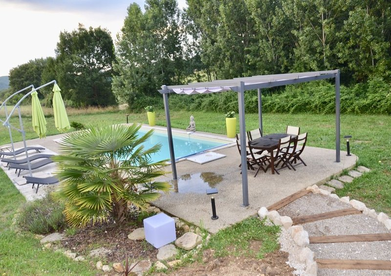 Belle maison avec piscine, vacation rental in Berbiguieres