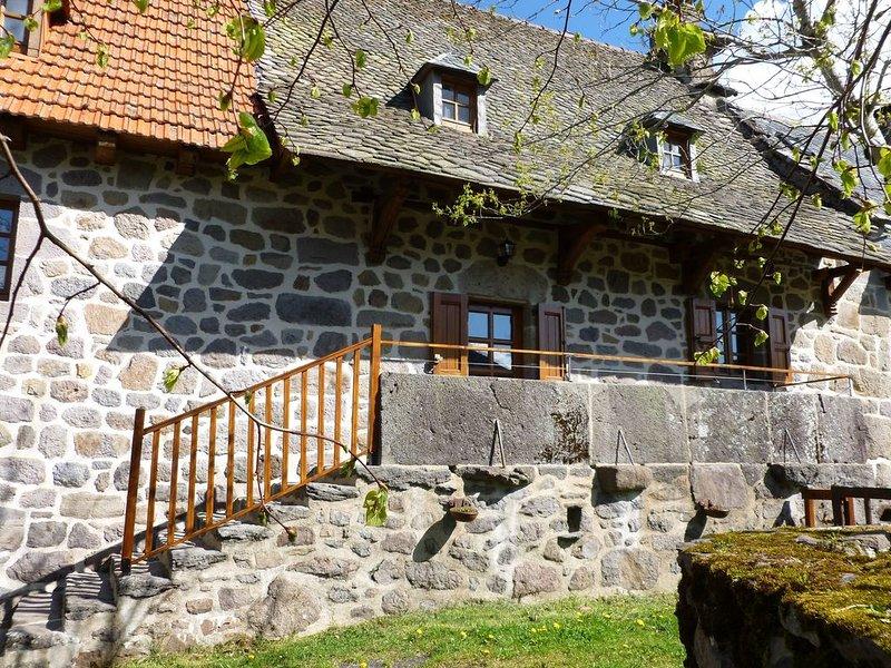 Le Balcon des Puys - Gite de caractère *** dans le Grand Site du Puy Mary, aluguéis de temporada em Saint-Bonnet-de-Salers