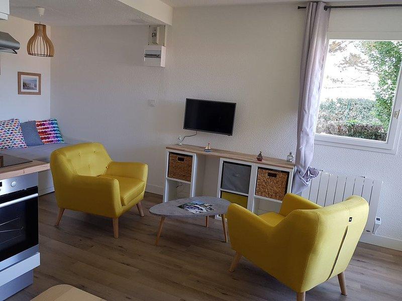 Appartement à 100m de la plage et 400m de la Thalasso, holiday rental in Concarneau