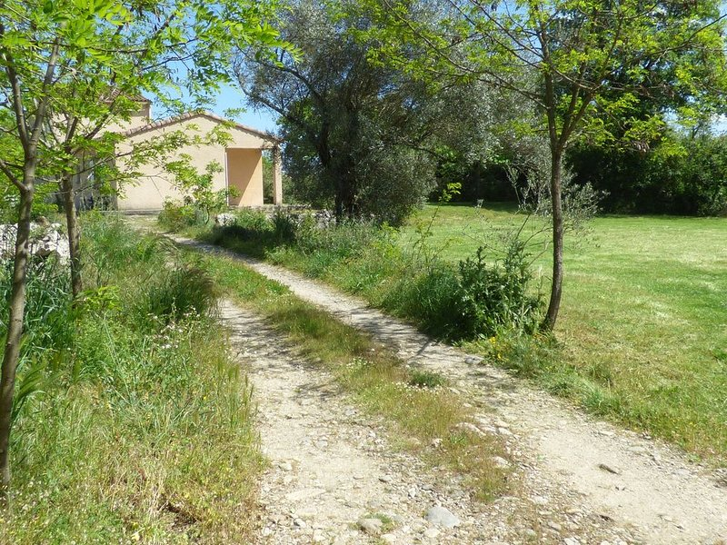 gites les oliviers  07120 labeaume, vacation rental in Labeaume