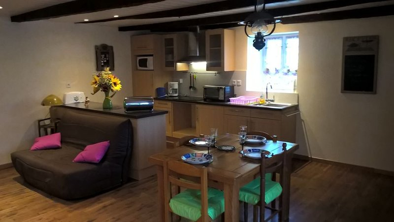 Petite maison de campagne, holiday rental in Grand-Vabre