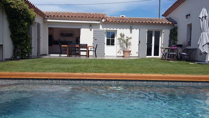 Maison avec Jardin et piscine située à 10 minutes d'Aix en Provence, aluguéis de temporada em Cabries