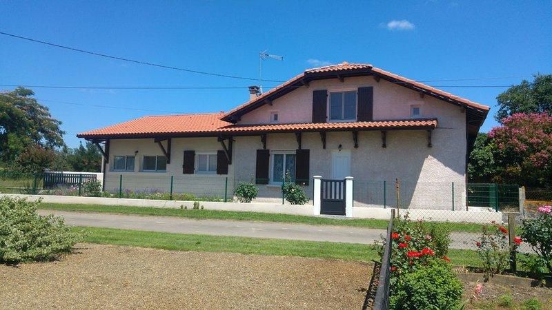 Maison à la campagne au coeur des Landes, holiday rental in Saint-Pierre-du-Mont