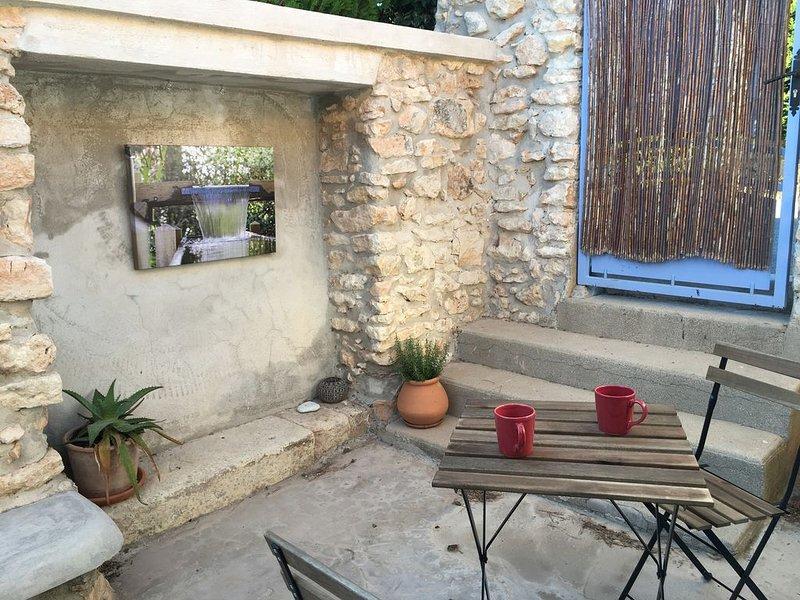 L ' OUSTALET POUR DEUX, location de vacances à Port-de-Bouc