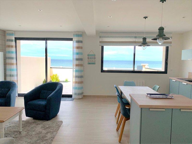 Villa Evasion front de mer, holiday rental in Lion-sur-mer