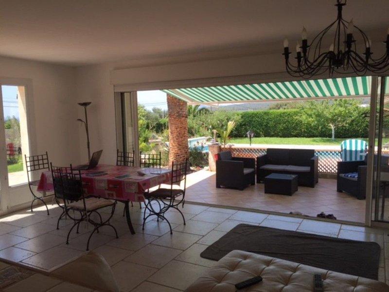 Villa  vue mer sur terrain 1200 m² avec piscine Var, vacation rental in Cuges-les-Pins