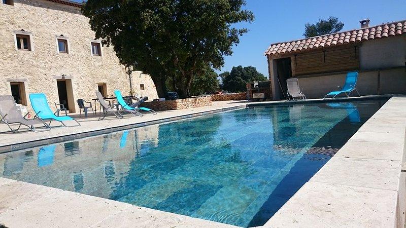 Bastide provençale sur domaine de 200 hectares, holiday rental in Rians