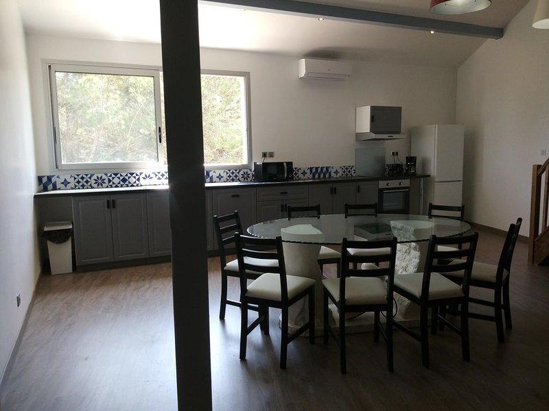 Appartement de 90 m², vue sur la pinède, alquiler vacacional en Lansargues