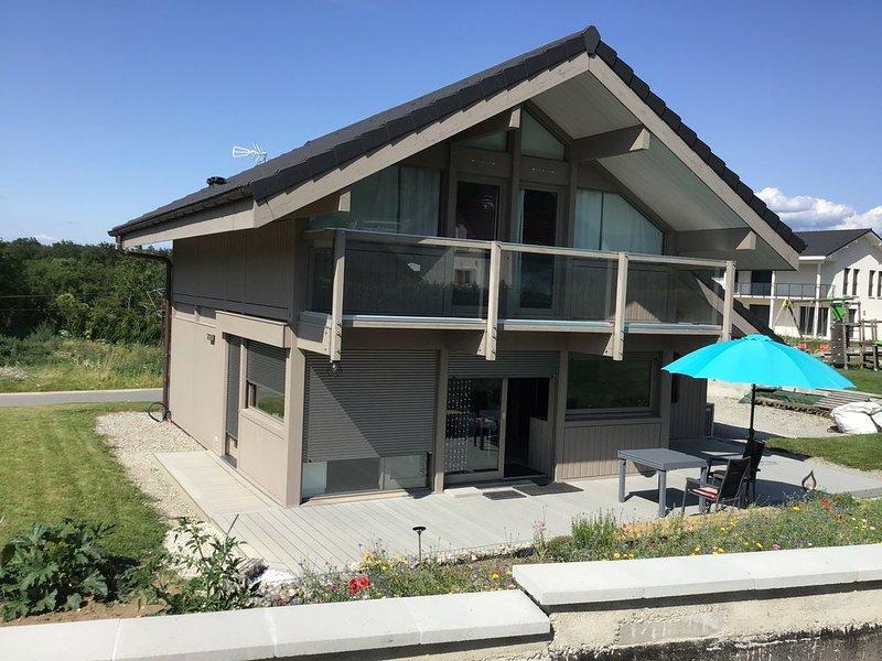 Maison ossature bois avec  terrain  semi-clos entre lacs et montagne., vacation rental in Bonneville