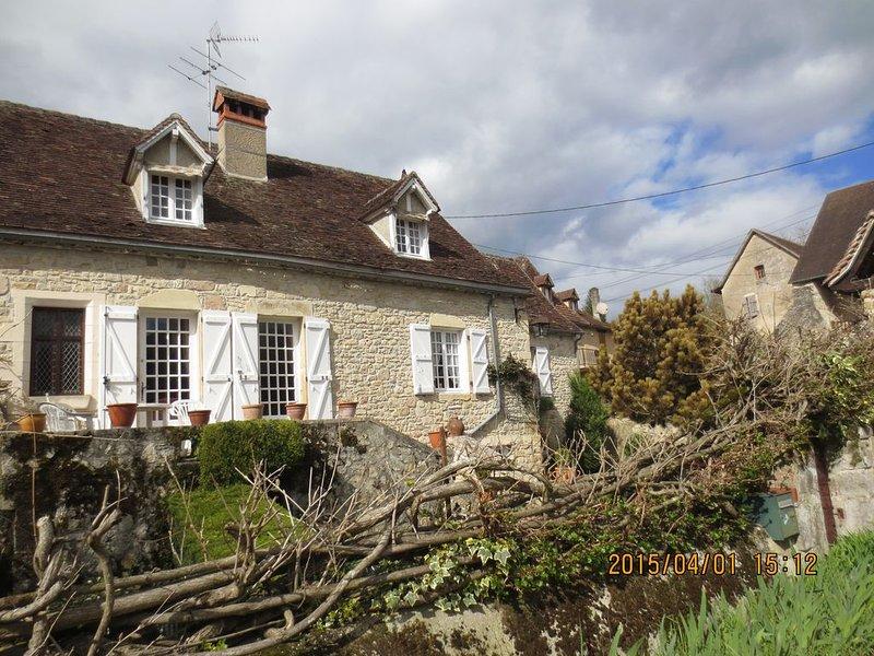 maison de village dans bourg ancien, location de vacances à Beaulieu-sur-Dordogne