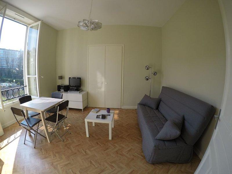 Studio chic au Port de Plaisance, holiday rental in Evian-les-Bains