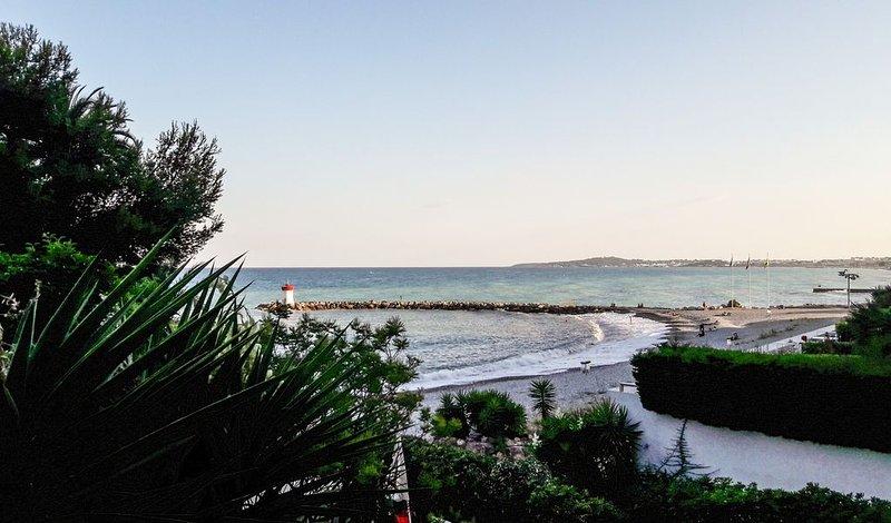 VUE FÉERIQUE SUR LE CAP D'ANTIBES Amiral, vacation rental in Villeneuve-Loubet