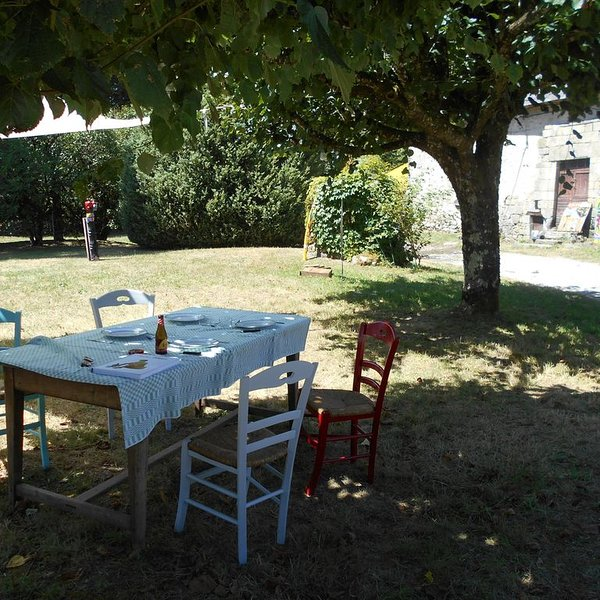 CALME ET SERENITE EN CORREZE, holiday rental in Condat-sur-Ganaveix