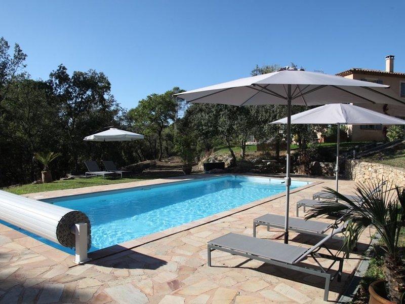 Un coin de paradis au coeur de la Provence, tres calme, piscine chauffée, location de vacances à Correns