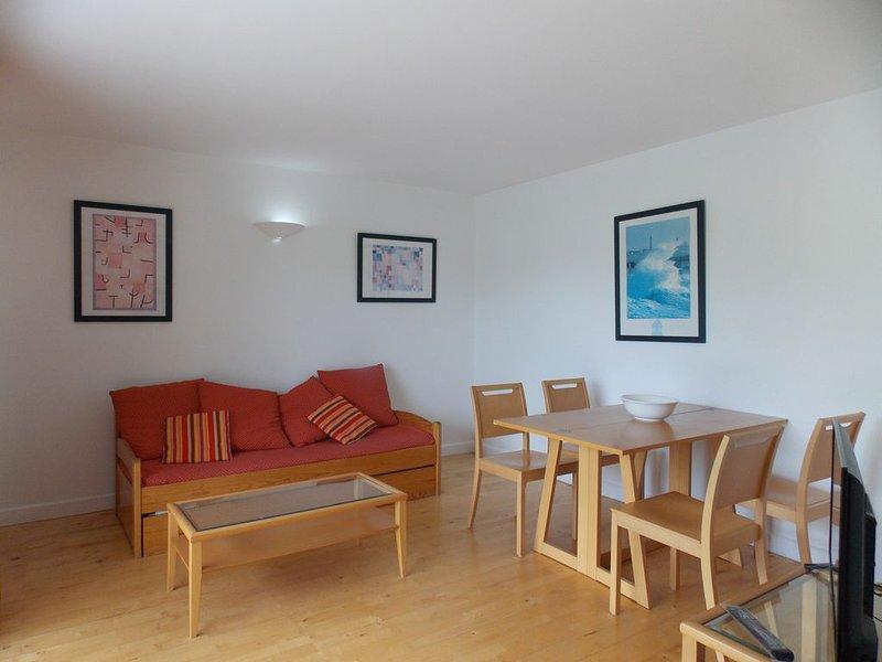 Appartement T2 Classé 2 **dans résidence avec piscine /Triangle d'Or à CAPBRETON, vacation rental in Capbreton