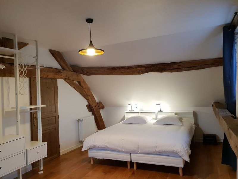 - La Petite Luciole -, holiday rental in Ecuisses
