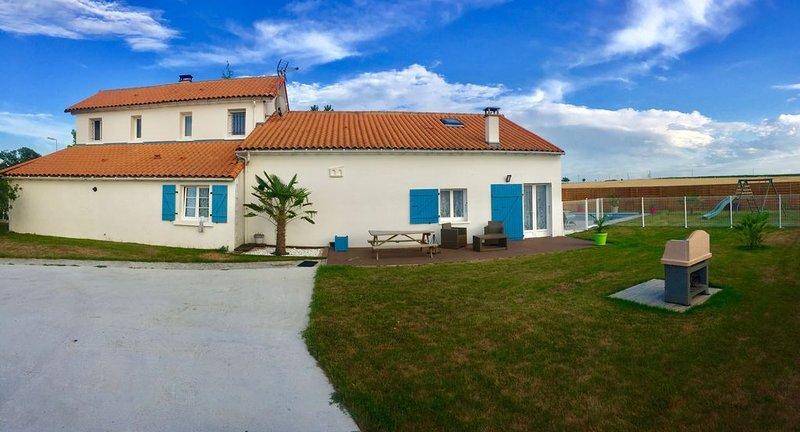 Gîte pour 4 personnes - au calme, holiday rental in Montpellier de Medillan