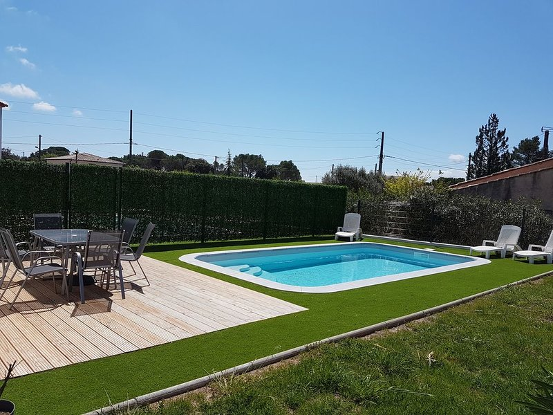 villa de prestige avec piscine terrasse jardin privatif parking sécurisé, holiday rental in Puget-sur-Argens