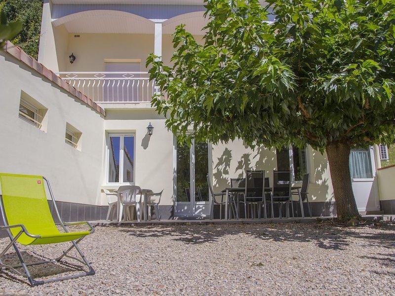 GITE AU BORD DE LA RIVIÈRE 'LE TARN', holiday rental in Serenac