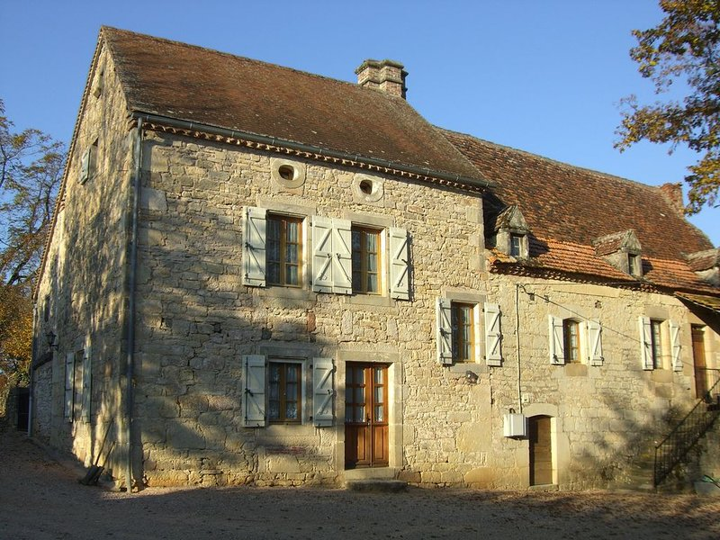 Grande maison traditionnelle quercynoise, holiday rental in Theminettes