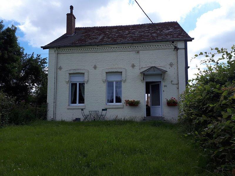 Gite à la Ferme WIGNEHIES, vacation rental in Englancourt