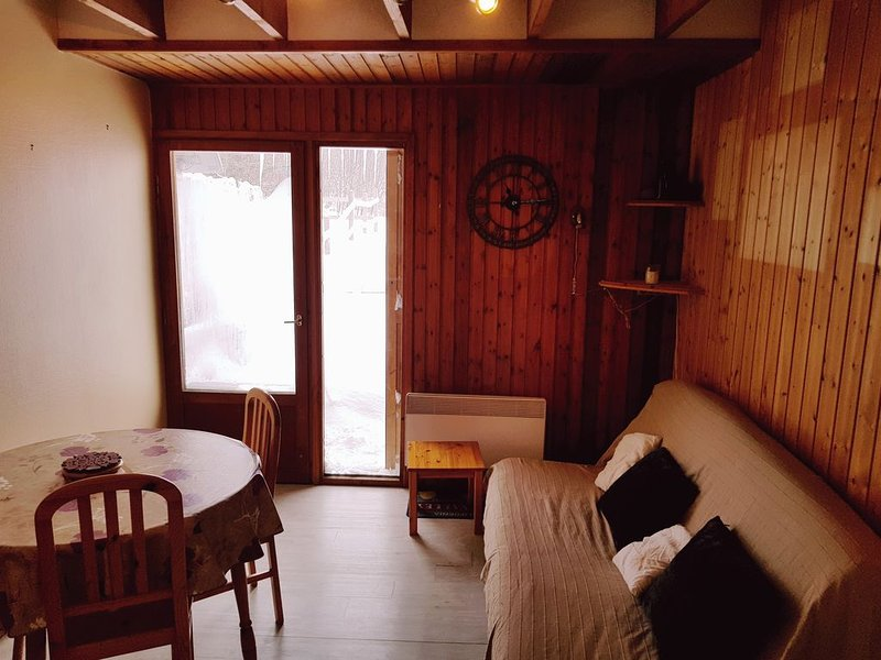 Location Picherande 4 personnes, holiday rental in Saint-Donat