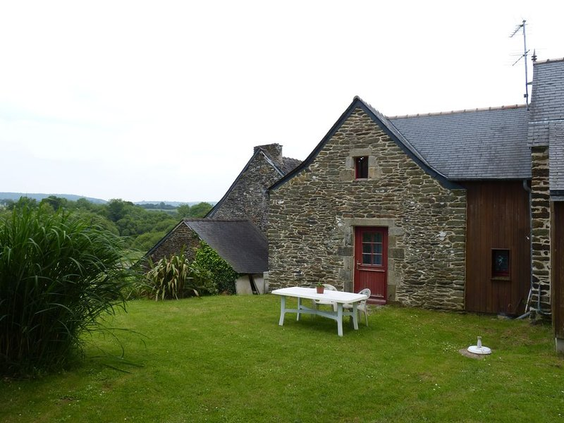 GITE DE CARACTERE, vacation rental in Chateaulin