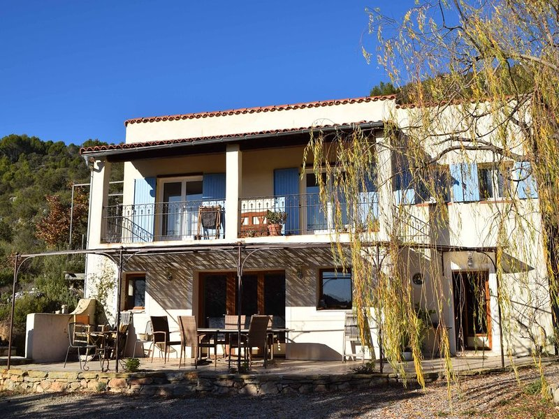 Maison  avec piscine sur la colline, location de vacances à Sillans-la-Cascade