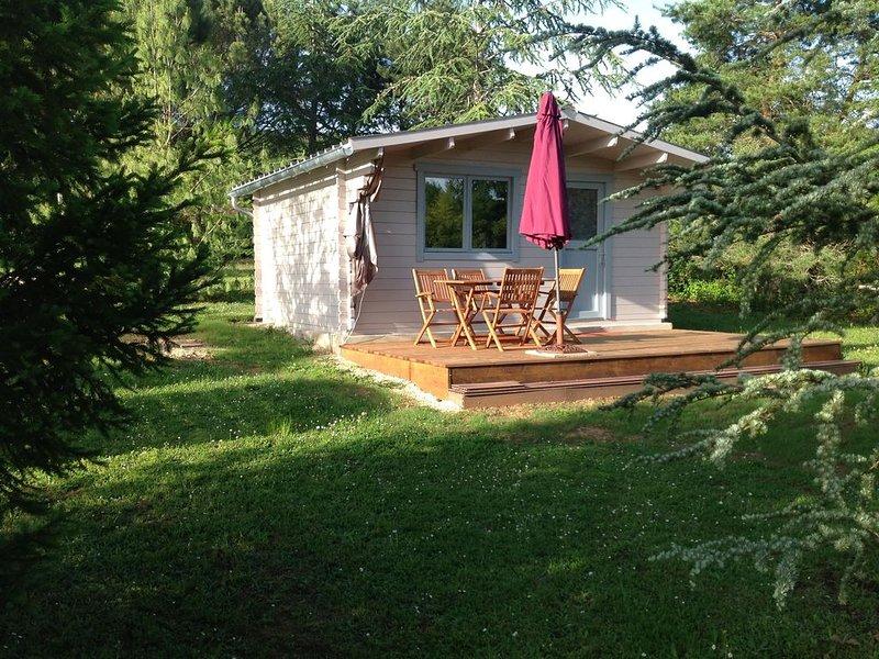 Gîte Chalet Saint Cirq Lapopie Tour de Faure, holiday rental in Blars
