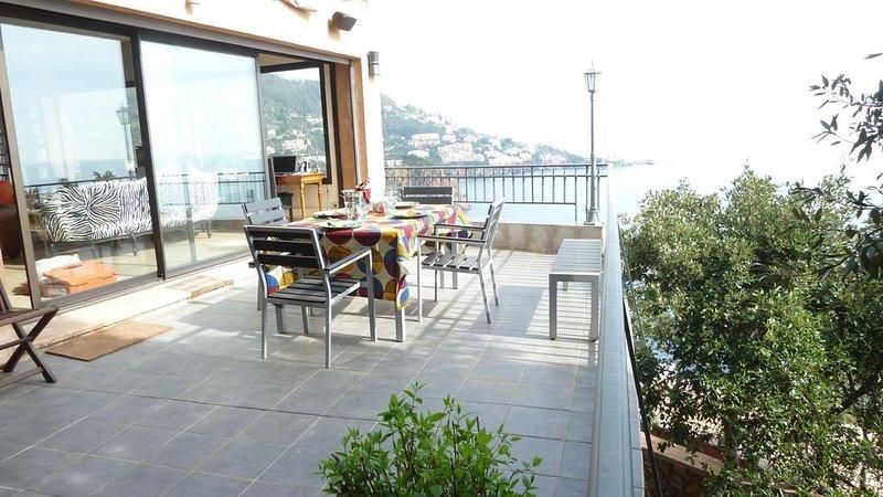 Villa,acces mer ,crique privée à theoule sur mer confort et vue exceptionnelle, casa vacanza a Théoule sur Mer
