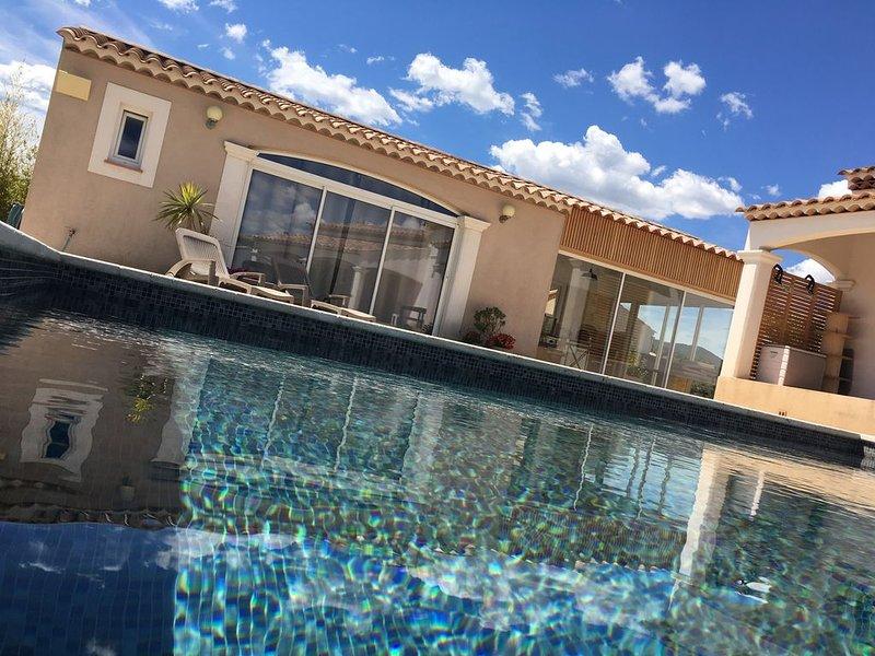 Maison d'hôte 'le pool house', Ferienwohnung in Cuers