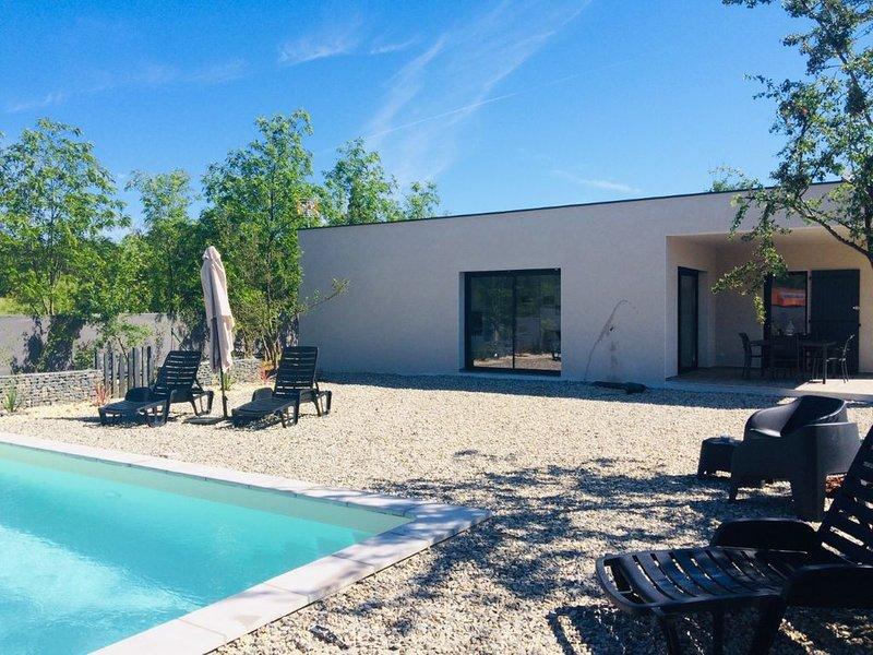 Villa neuve piscine privée et chauffée, Ferienwohnung in Ruoms